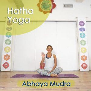 Hatha Yoga: Abhaya Mudra